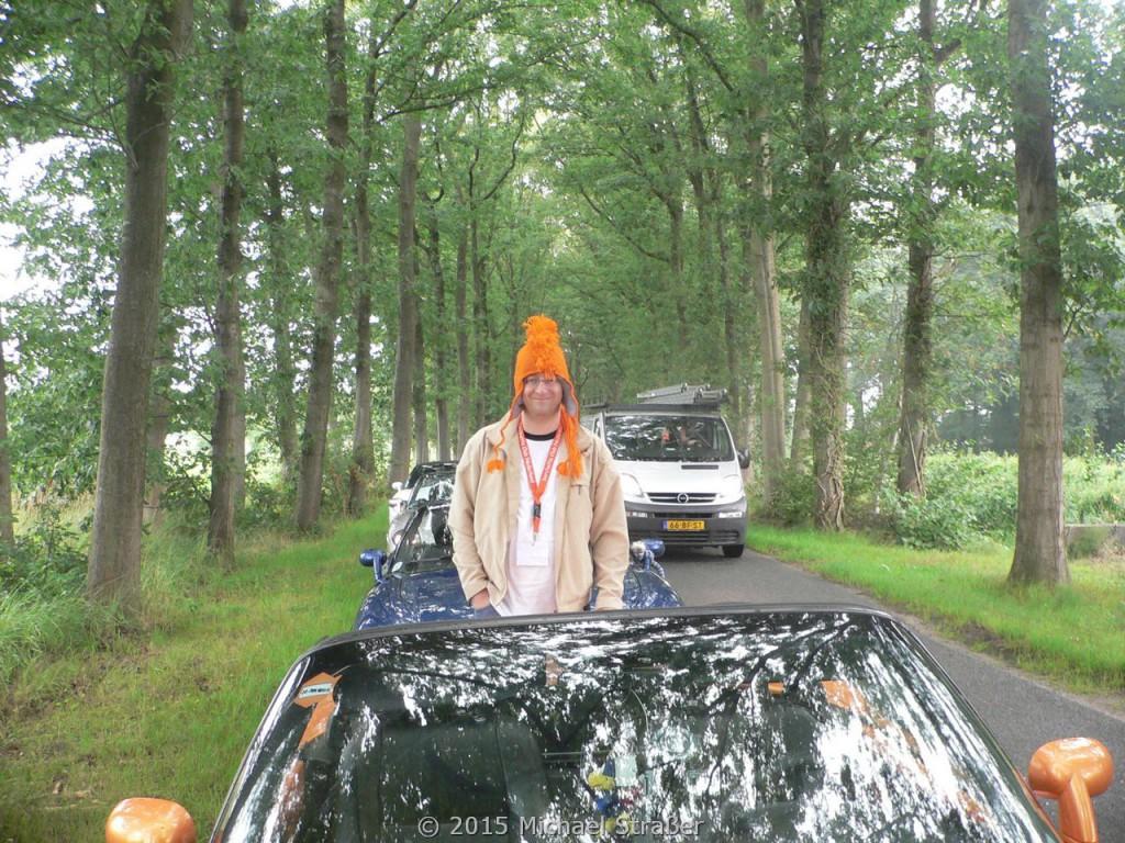 2006 - Holland - Passende Kopfbedeckung muß sein